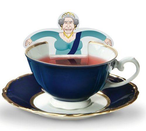 a cup of tea mug insolite infuseur de th bordelaise by mimi. Black Bedroom Furniture Sets. Home Design Ideas