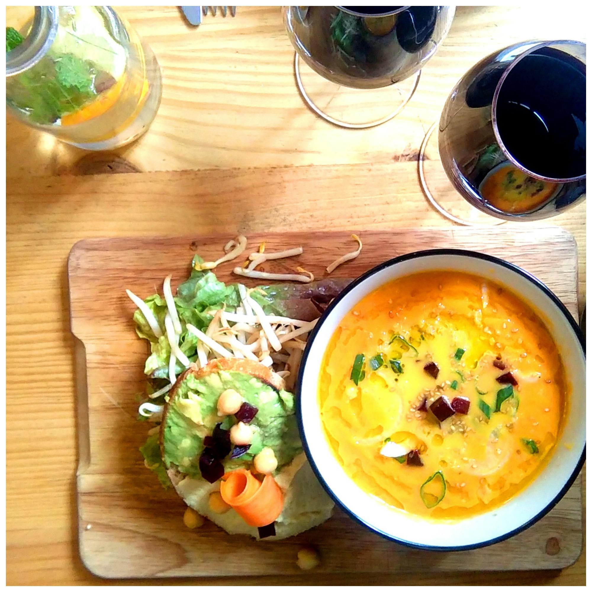 resto vegan bordeaux kitchen garden avocado toast bordelaise by mimi. Black Bedroom Furniture Sets. Home Design Ideas