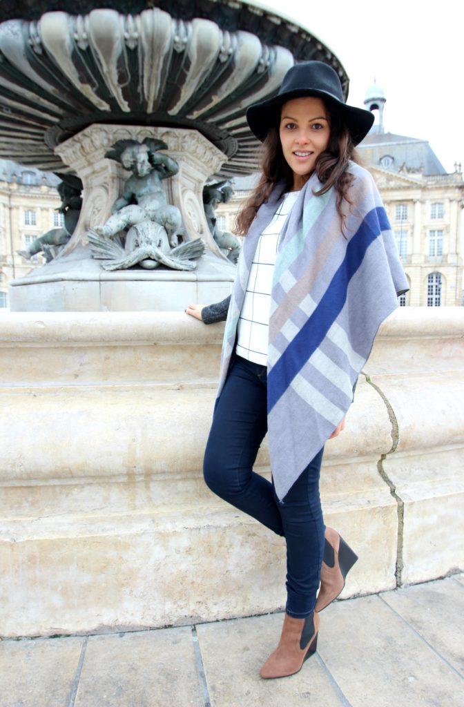 Place-de-la-Bourse-Bordeaux-Look-Carreaux