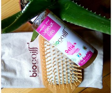 shampoing aux orties, baume au jasmin et brosse en bambou biocoiff