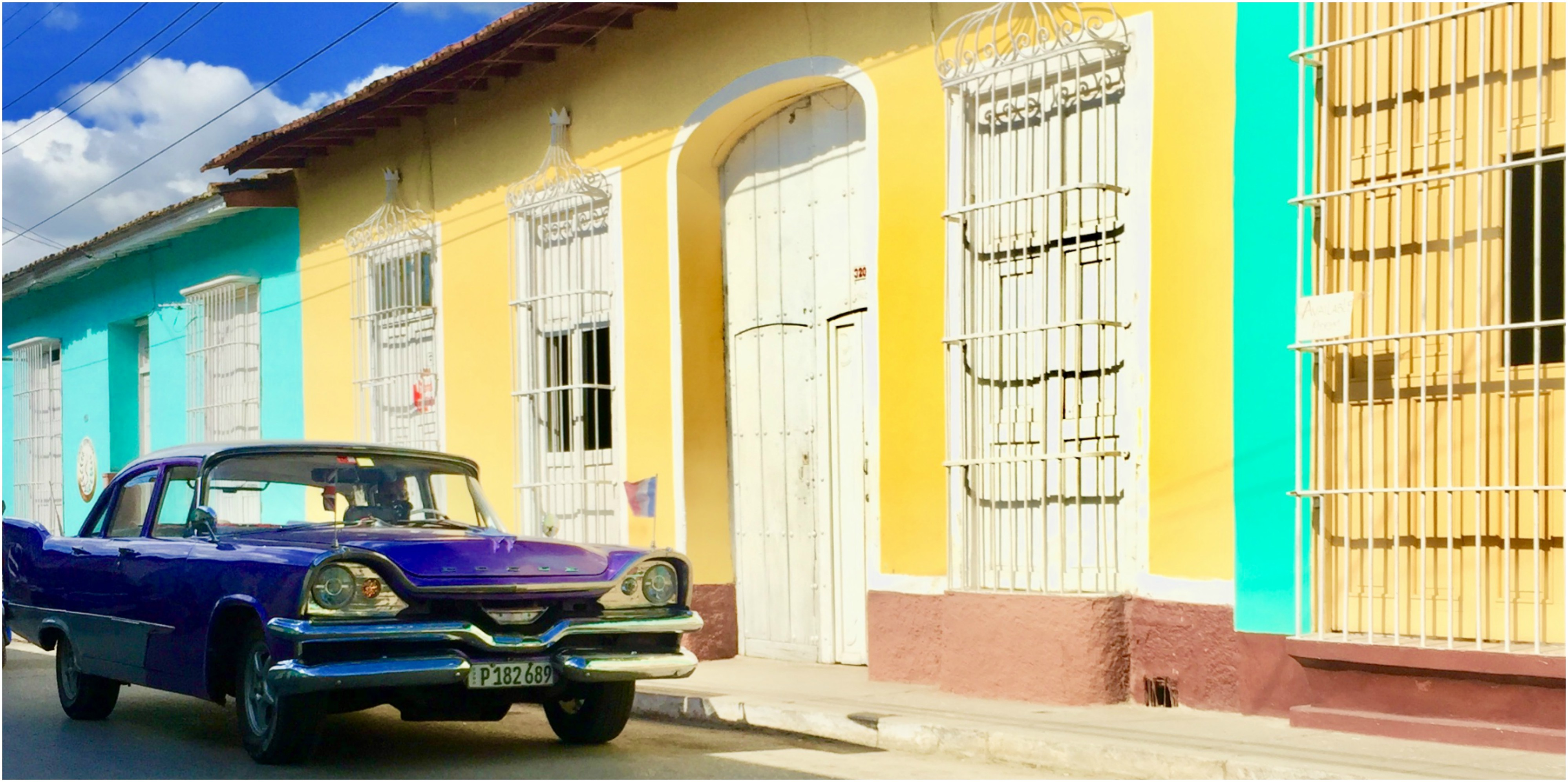 cuba-trinidad-plaza-major-visit-voiture-americaine