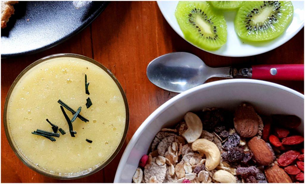 recette-smoothie-vegan-spiruline-pomme-kiwi-facile-rapide
