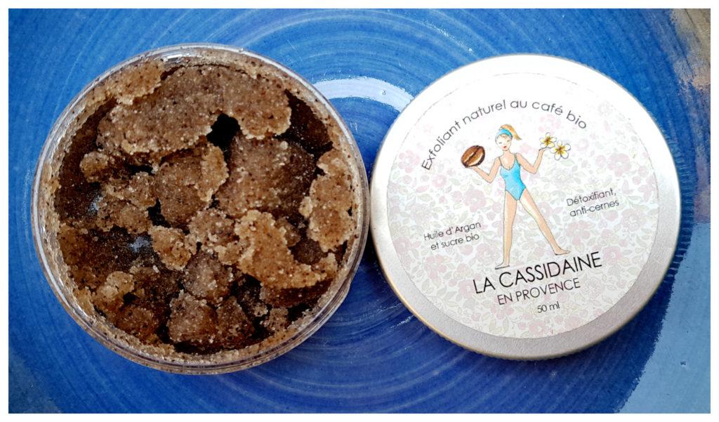 avis-blog-crème-exfoliante-cellulite-café-bio-cassidaine