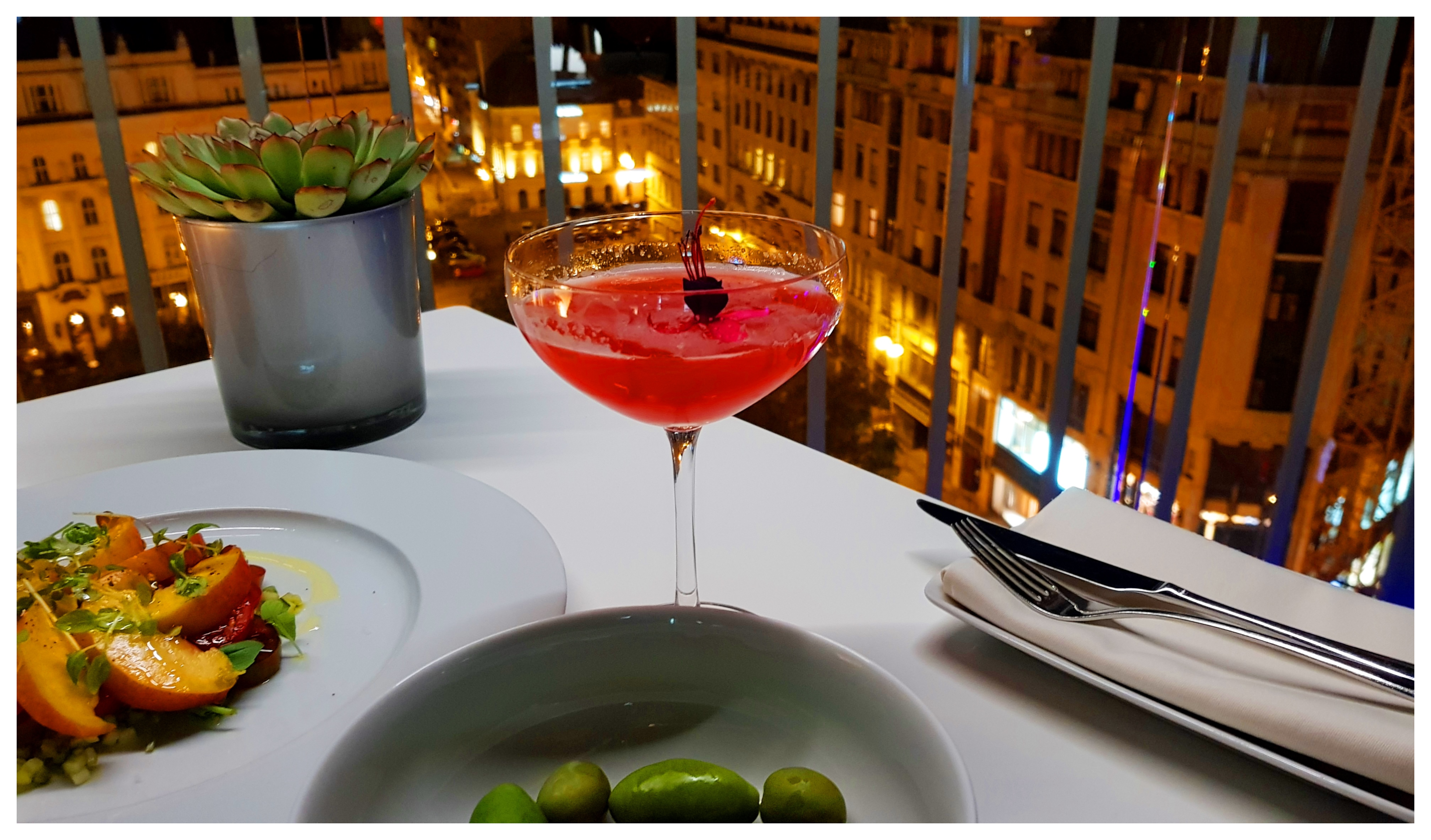 st-andrea-sky-bar-cocktail-budapest